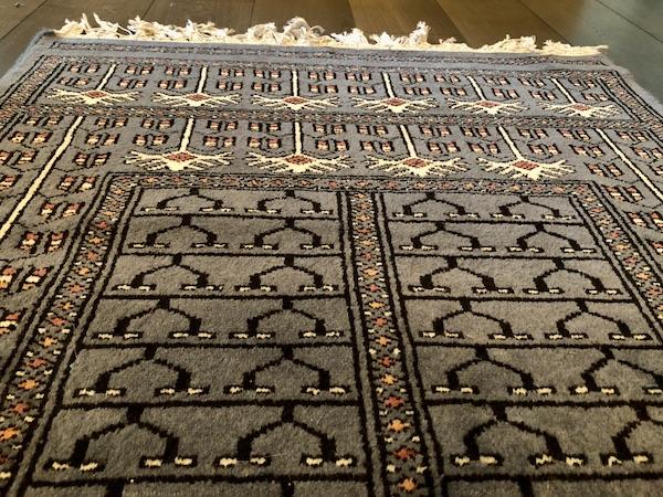 India Travel Blog – Jaipur Handicrafts – Jaipur India - India - hand woven carpet -