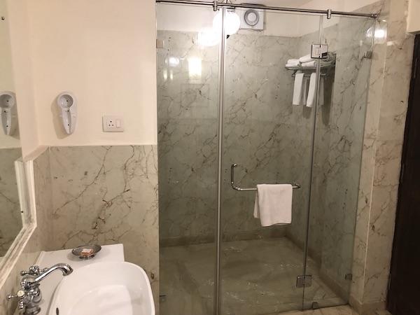 Jodhpur – Ranbanka Palace Hotel – India travel blog - shower