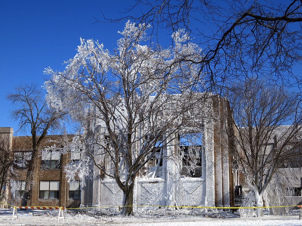 Racine, WI: Mitchell School fire leaves iced tree