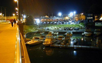 Boat House Pub & Simmons Island Marina