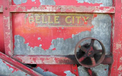 Belle City logo on antique threshing machine
