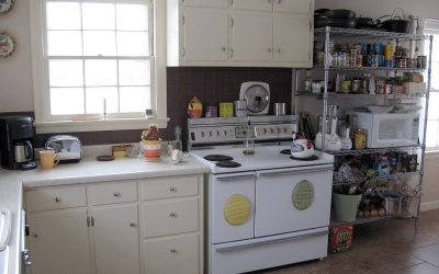 Kitchen: Kenmore electric range, InterMetro shelving