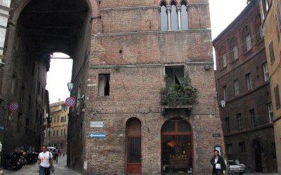 Antichita Mazzoni antiques store, Siena, Italy