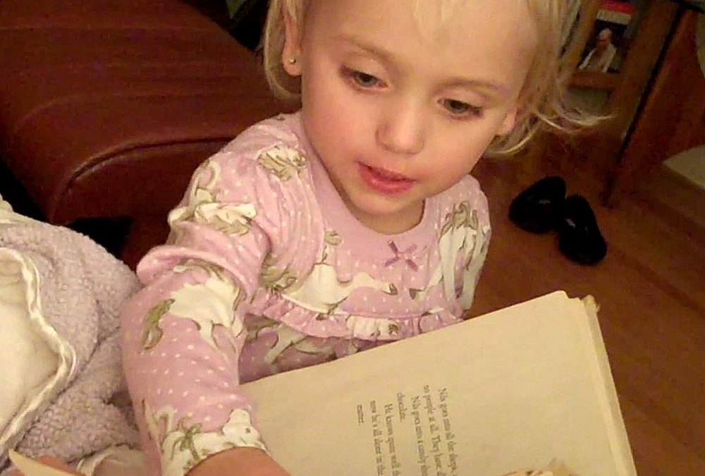 Video: Zoey's bedtime story gibberish