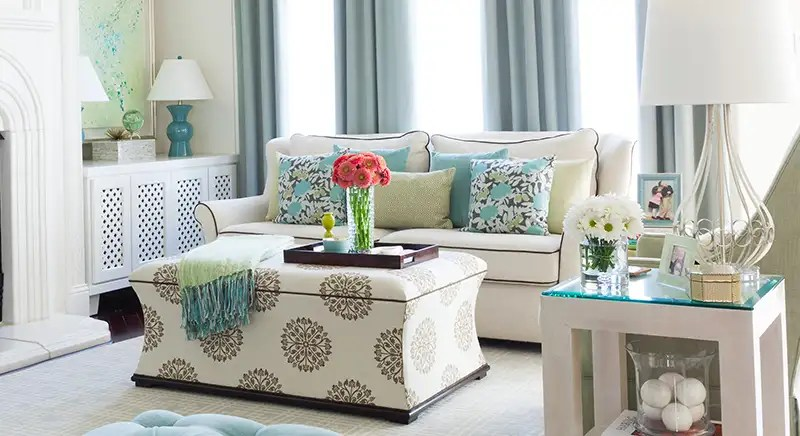 how to arrange pillows on your sofa or