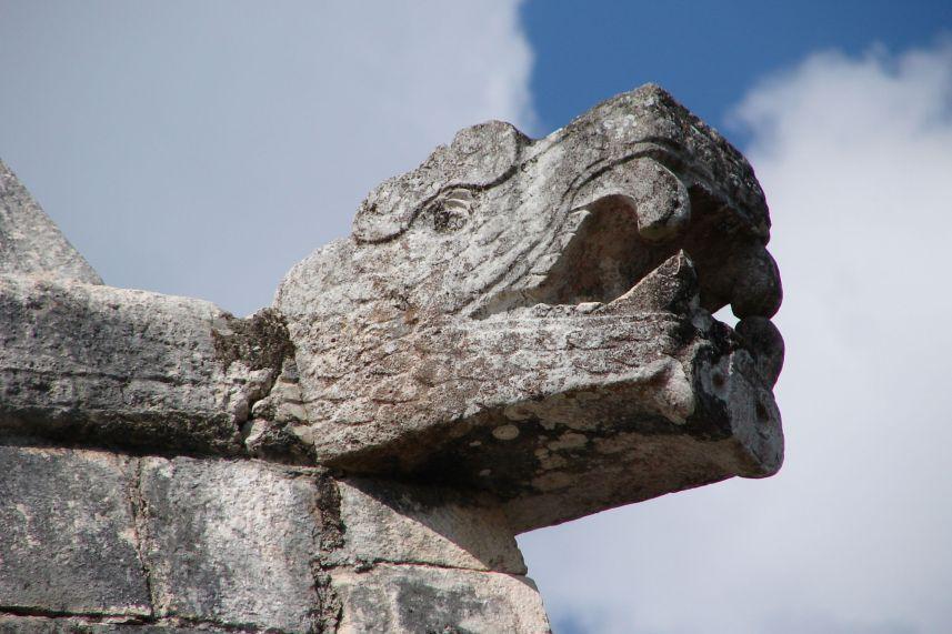 Serpent_Head,_Chichen_Itza