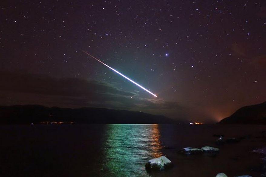 Meteor over Loch Ness