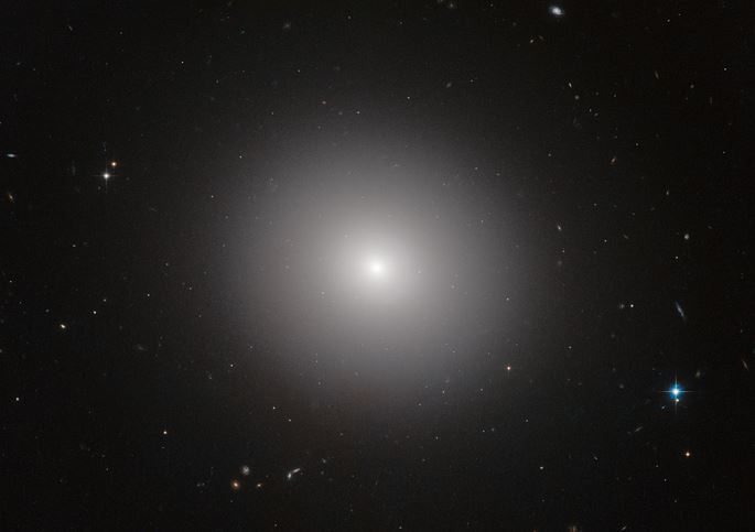 Elliptical galaxy IC 2006