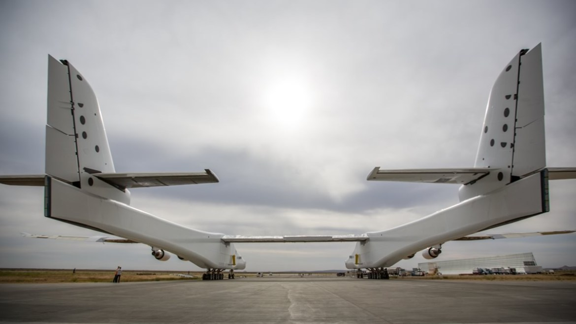 stratolaunch-aircraft