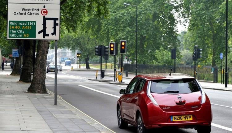 Nissan Leaf in London – credit Nissan UK