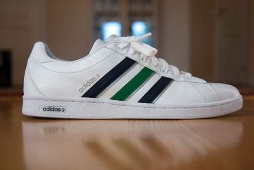 640px-An_Adidas_shoe