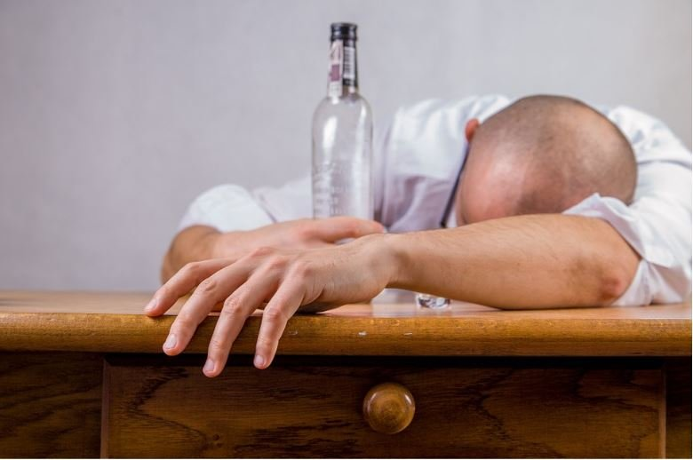 Article on professional stature and vices - image 2