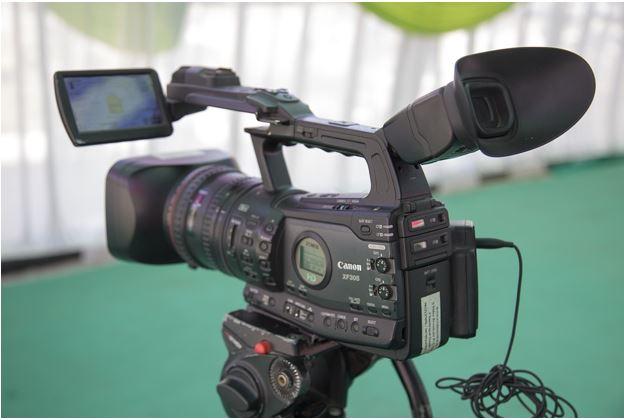 Corporate video image - 1121222