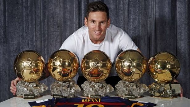 Ronaldo VS Messi 5 Gold Ball