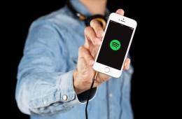 Cómo puedes crear listas de música con Messenger y Spotify
