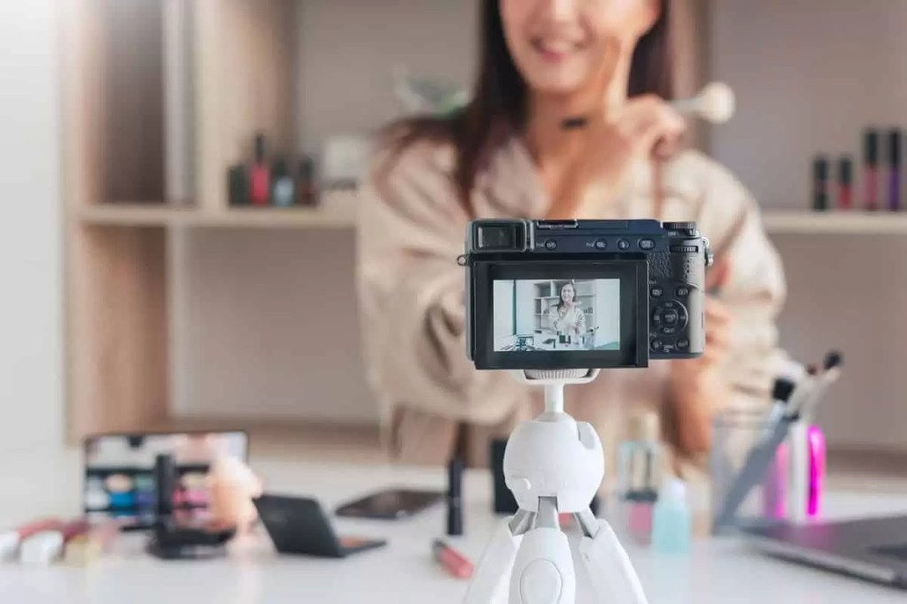Five Suggestions to Keep in Mind When Filming Videos by Yourself of Yourself