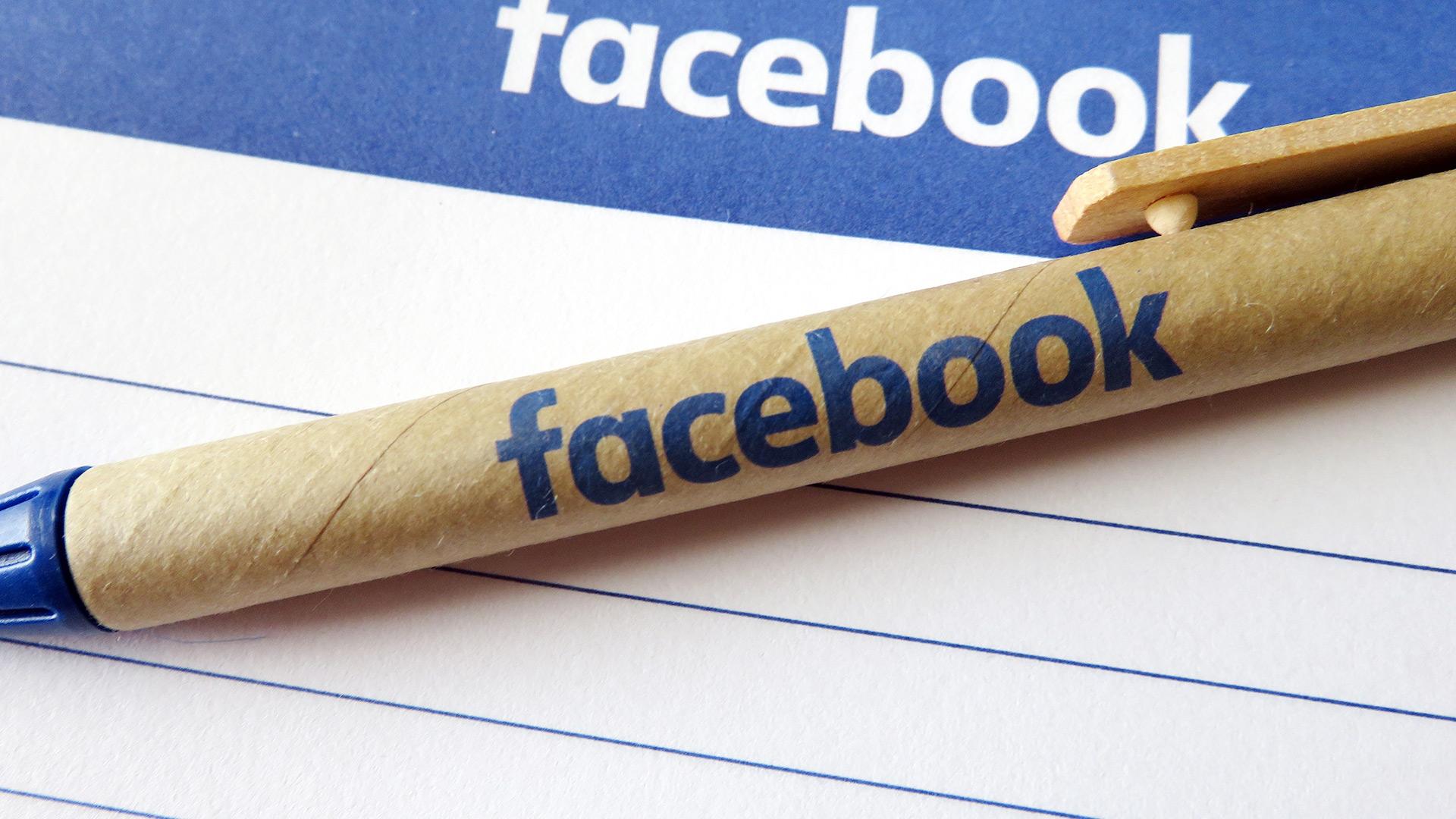 facebook-logo-notepad2-1920