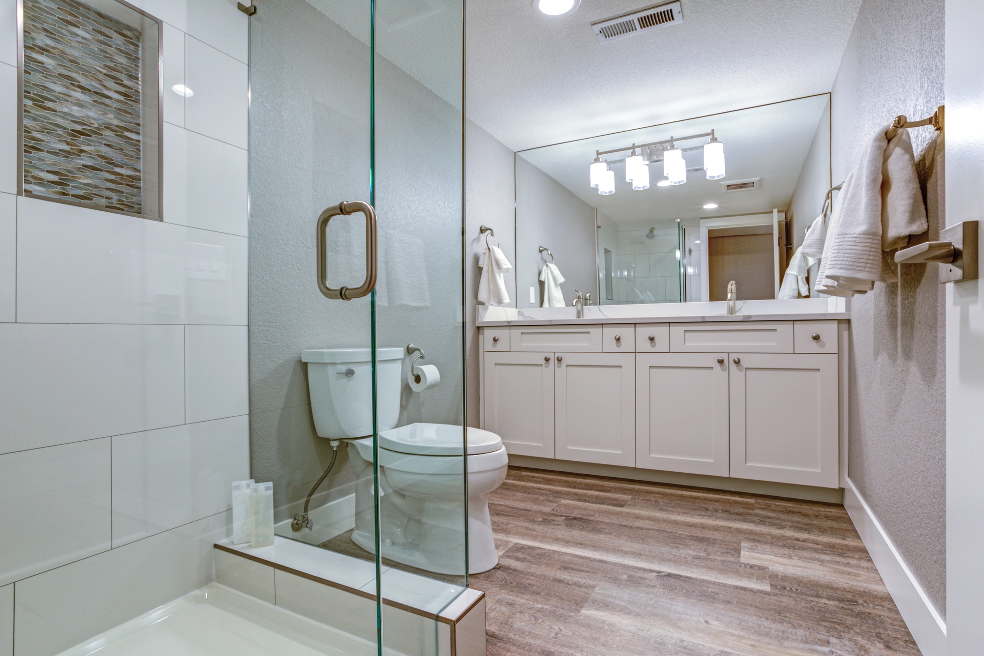 3 Reasons To Install Frameless Glass Shower Doors Monsey