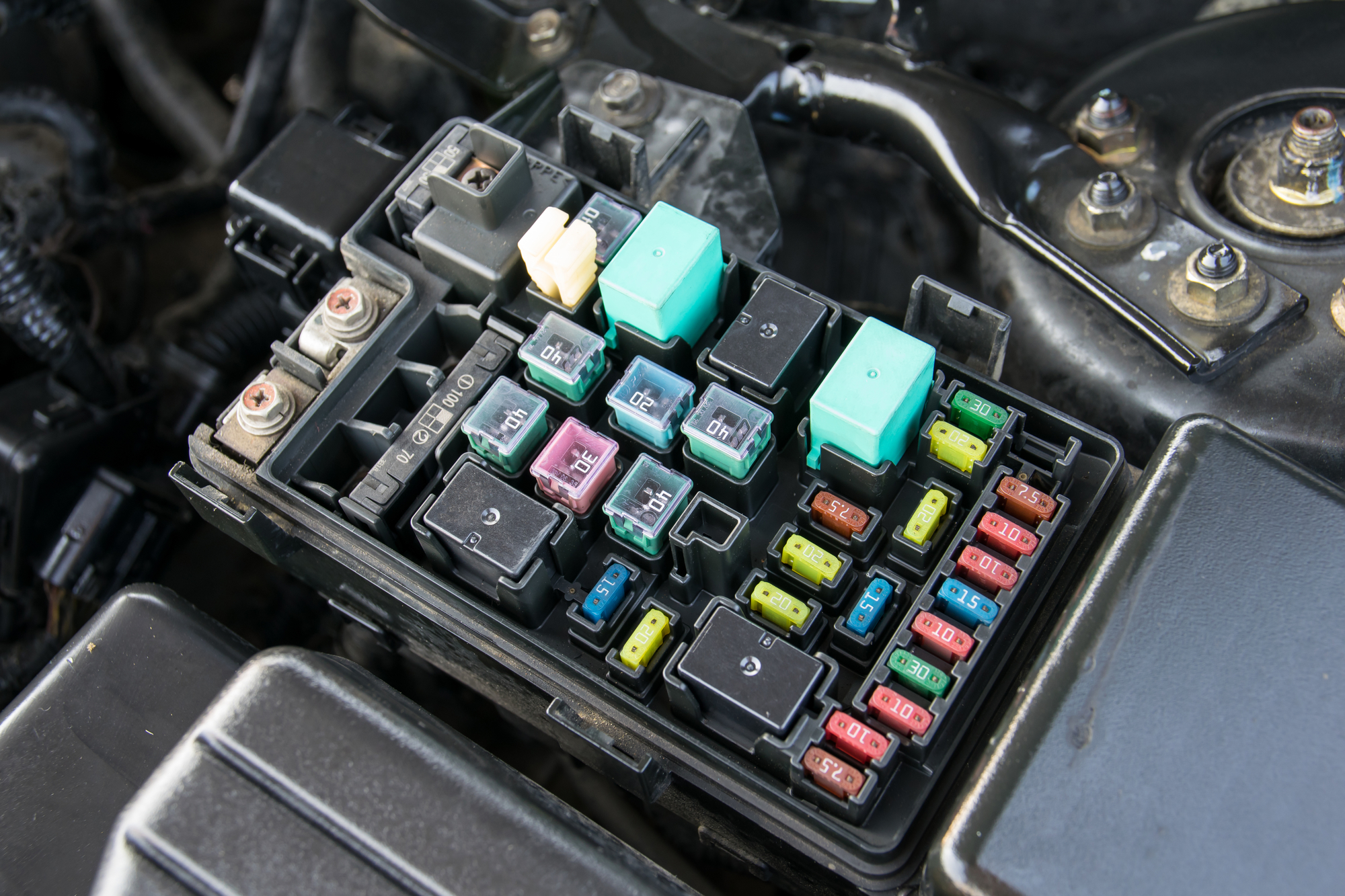 hight resolution of if technicians feel there might be an electrical wiring issue in your vehicle they may then conduct a circuits test using a 12 volt test light