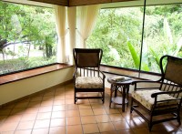 Screened Patios Vs. Glass Sunroom Enclosures: Which Is ...
