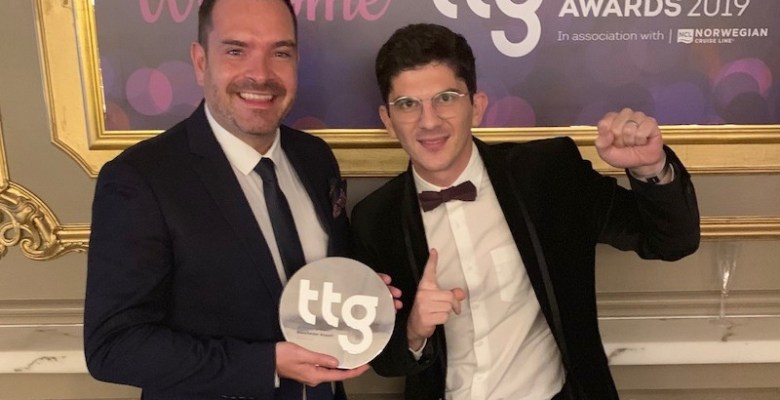 Seb Thompson and Nico Spyrou from Manchester Airport collect their TTG Award for Best UK and Irish Airport 2019 copy