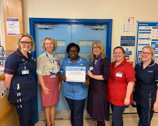 Stepping Hill nurse saves life on the 192 bus
