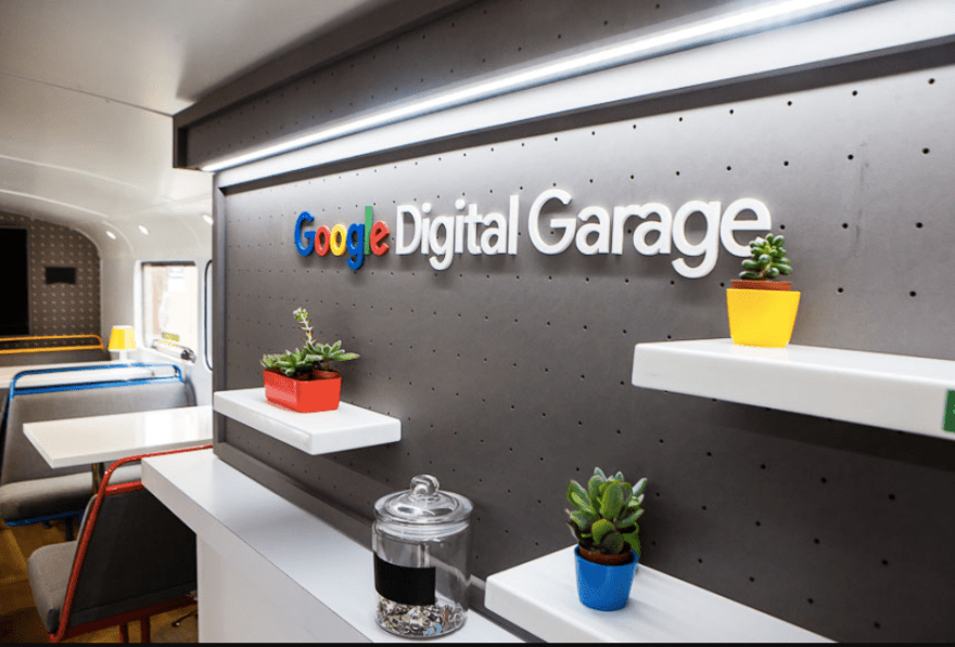 The Google Digital Garage Bus stops off in Stockport