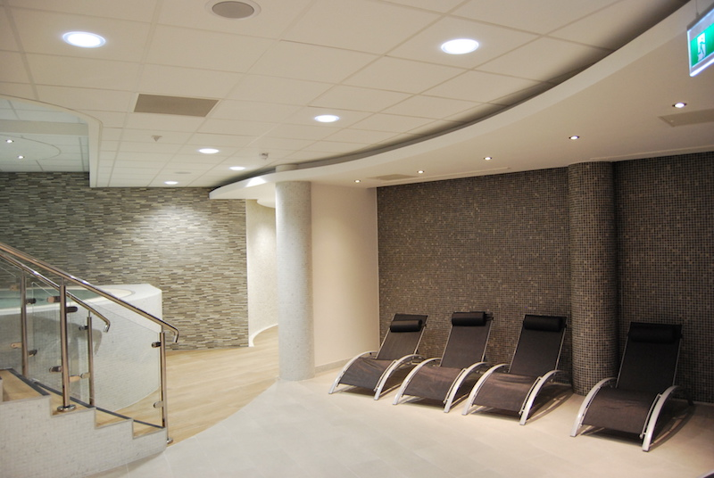 New Stockport health club opens for business at Grand Central - Spa Jacuzzi & Seated Area