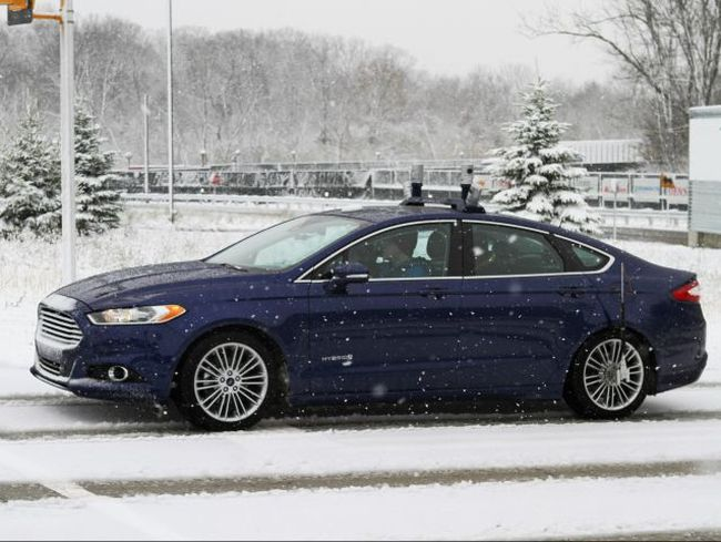Ford's self-driving Fusion Hybrid  can even operate in the snow.