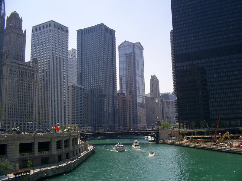 Chicago_River_from_Michigan_Ave