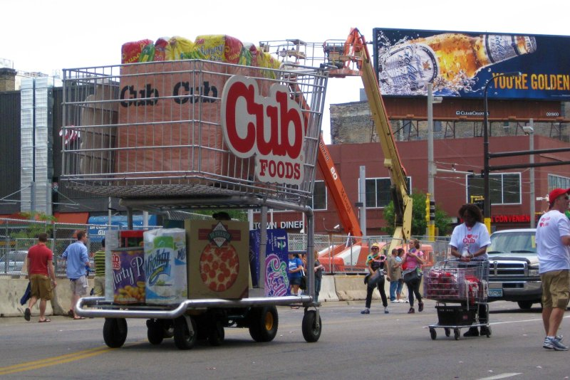 cub_foods_at_2010_pride