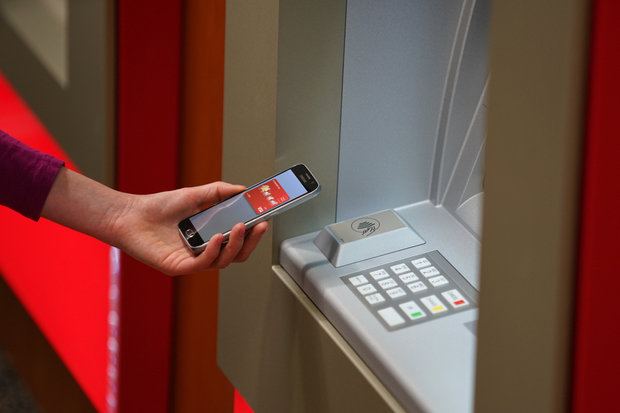 Wells Fargo lets Android Pay and Apple Pay customers Get Cash from ATMs