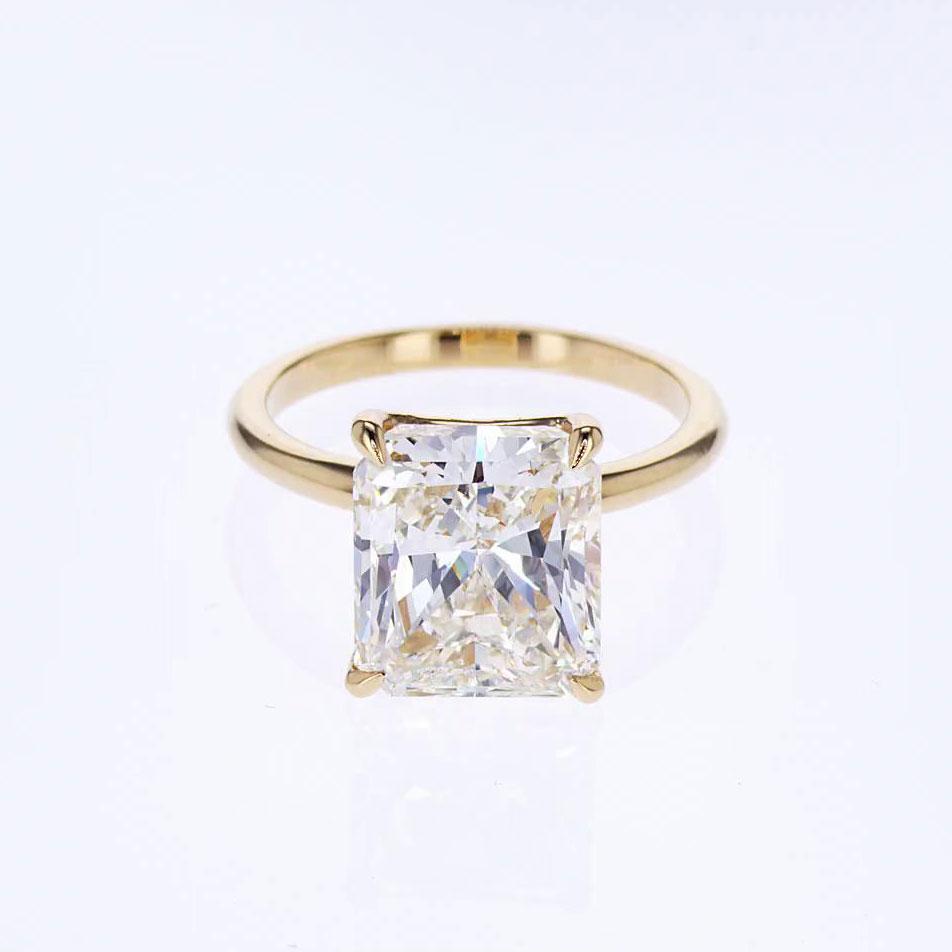 five carat raidant cut diamond solitair engagement ring