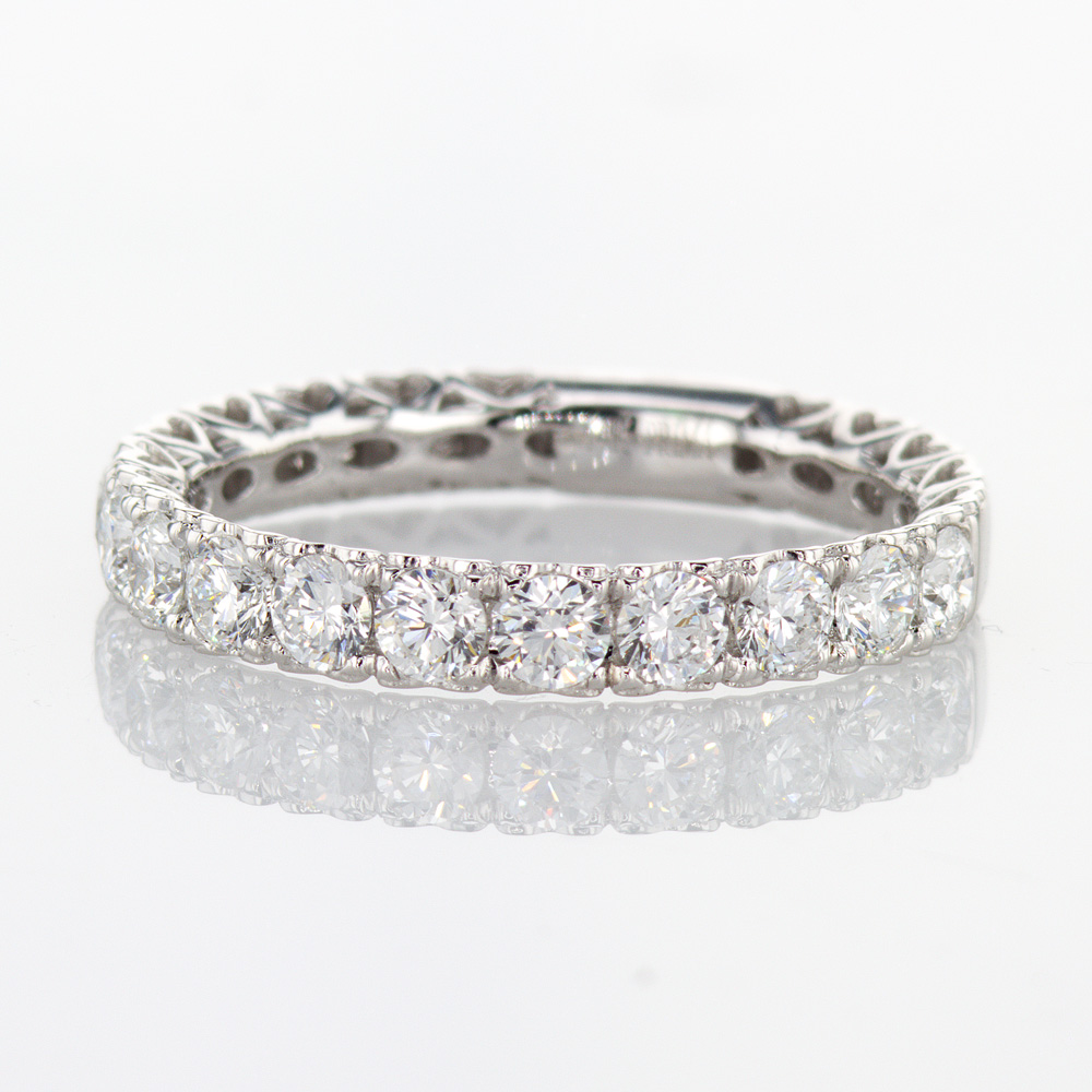 Heart Motif profile Diamond Wedding Band, 14k White Gold