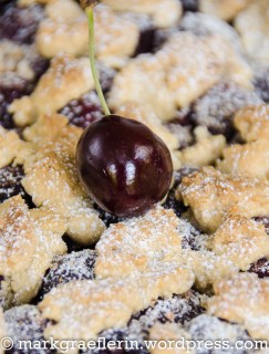 Cherry Crumble Tart 6