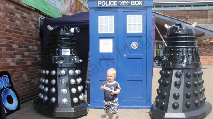 Xander meets some Daleks