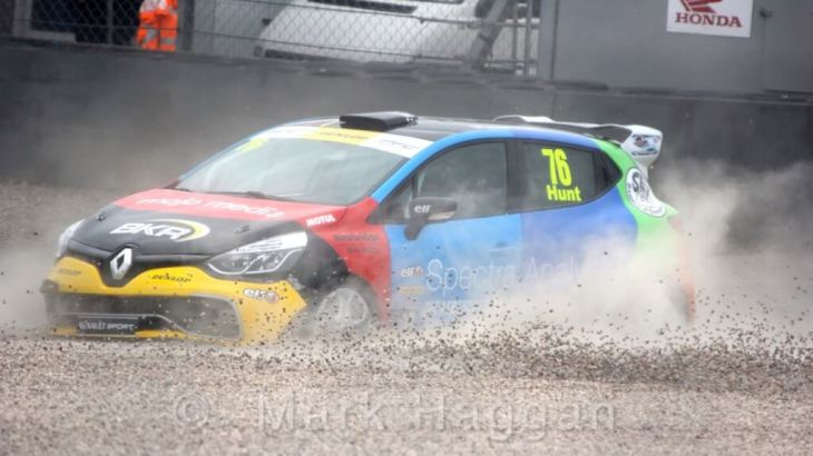 Freddie Hunt in the Clio Cup at Donington Park