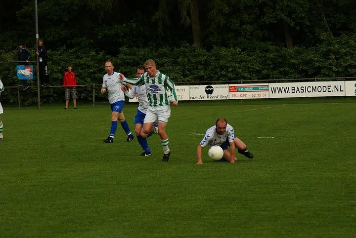 Voetbal tb'tje: spelen voor promotie naar de hoofdklasse.