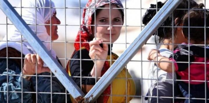 mülteci kadın ile ilgili görsel sonucu