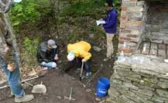 Elmira Archaeology Students Explore Mystery Structure at Quarry Farm