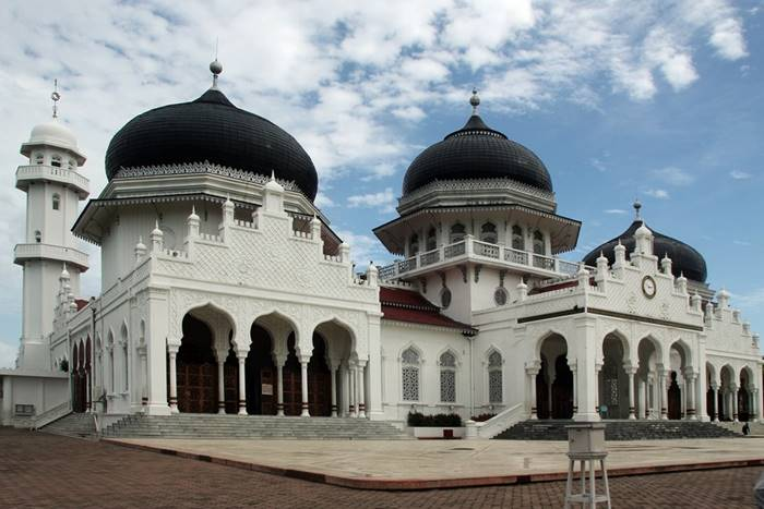 12 Arsitektur Masjid Bersejarah Tertua di Indonesia