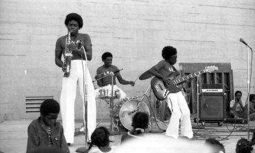 Charles Moffett Family Band -- that's Charnett on Fender bass! -- August 27, 1978 -- Western Addition, San Francisco -- photo by Mark Weber