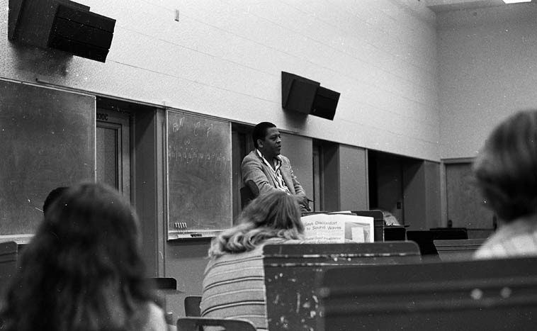 Bobby Bradford with class at Pasadena City College -- September 17, 1976 ---- the thing with  Bradford is that when he's dealing with a classroom or with an individual he always looks for  common ground so that he understands where to start teaching you, he's walked me through  so many concepts over the years and he's always used this technique ---- photo by Mark Weber