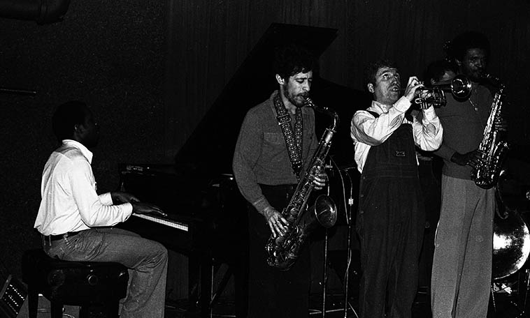Art Blakey Jazz Messengers at Howard Rumsey's Concerts by the Sea -- January 17, 1980 -- James Williams(piano), David Schnitter(tenor), Valerie Ponomarev(trumpet), Bobby Watson(alto), Dennis Irwin(bass) -- photo by Mark Weber