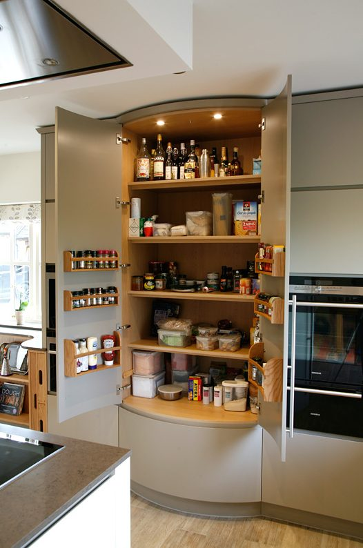 Contemporary bespoke kitchen by Mark Williamson Kitchens
