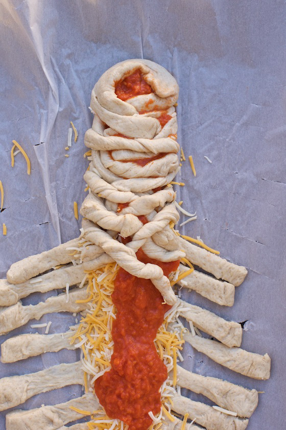 Spooky Mummy Pizza How-To for Halloween! MarlaMeridith.com #pizza #recipe #halloween
