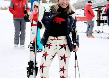 The Black Friday sales are here and I have found my favorite skiwear on sale for you to shop today! How cool are these fashions by Perfect Moment? MarlaMeridith.com