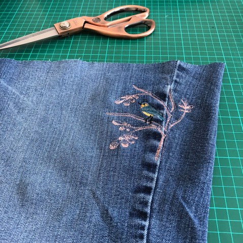 DenimHandbag-EmbroideryComplete