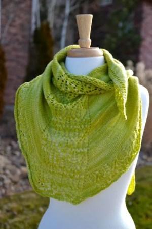 Free Knitting Pattern: Pear Sorbet Shawlette by Marly Bird