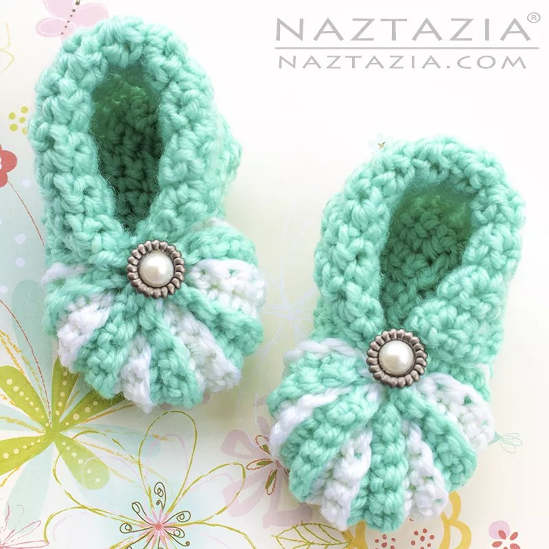 Easy Baby Booties by Naztazia